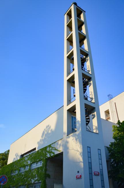 Hus Congregational House