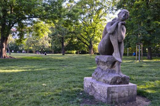 """""""Sedící dívka"""" statue by Jan Hána in the Kampa Park"""