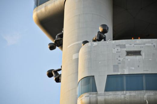 10 giant statues of babies are placed on the tower – The Babies by sculptor David Černý